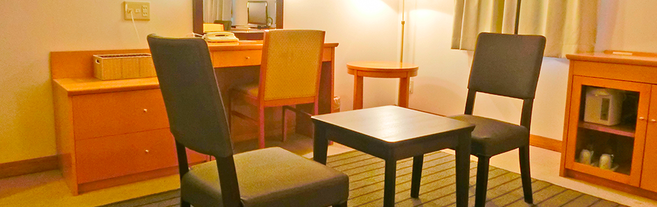 客室テーブル・チェアの写真